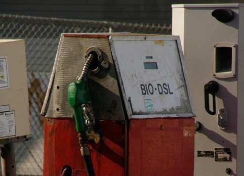 Biodisel-Morguefile-file5581244174923-cropped-e1532809183328